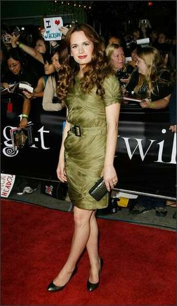 Actress Elizabeth Reaser (Esme Cullen) attends the premiere of