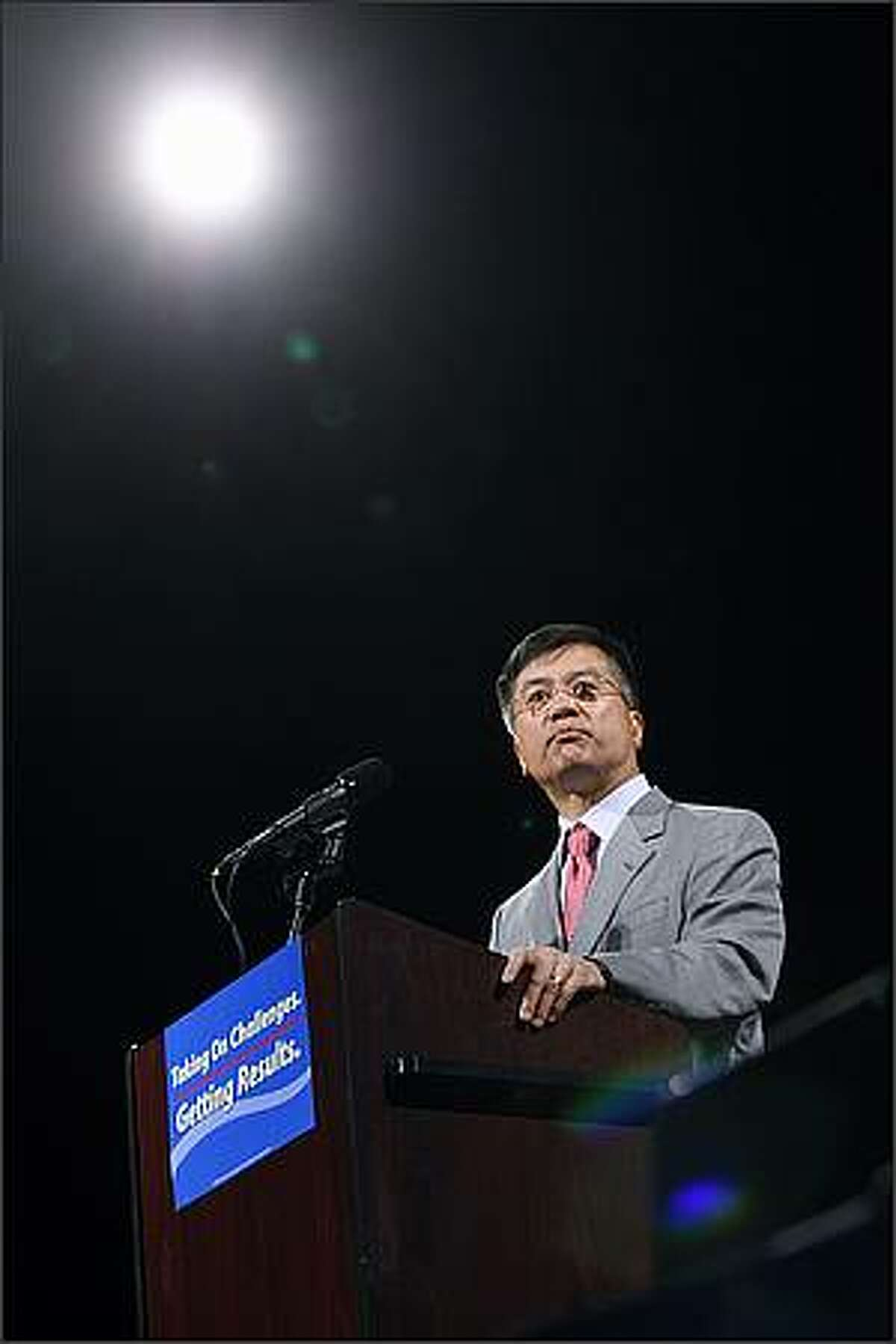Former Washington governor Gary Locke speaks to the crowd in support of Governor Chris Gregoire.