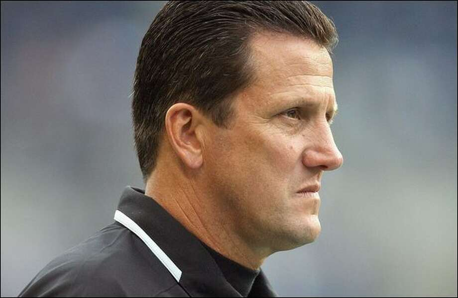 Greg Knapp coached the Raiders offense the past two years after coaching with Jim Mora in Atlanta and San Francisco for six seasons. Photo: Otto Greule Jr./Getty Images