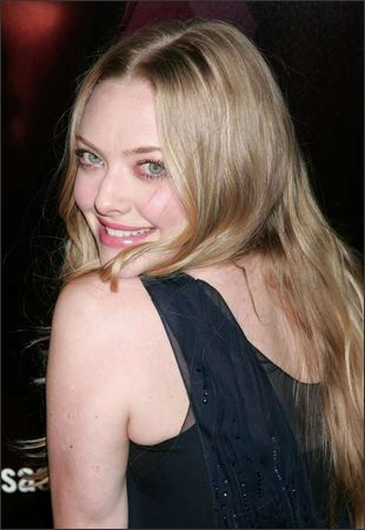 Actress Amanda Seyfried attends the premiere of HBO's