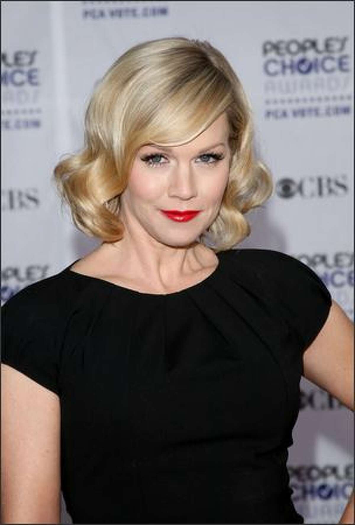 Actress Jennie Garth arrives.