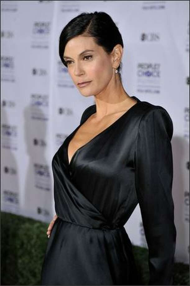 Actress Teri Hatcher arrives at the 35th annual People's Choice Awards held at the Shrine Auditorium in Los Angeles on Wednesday night. Photo: Getty Images
