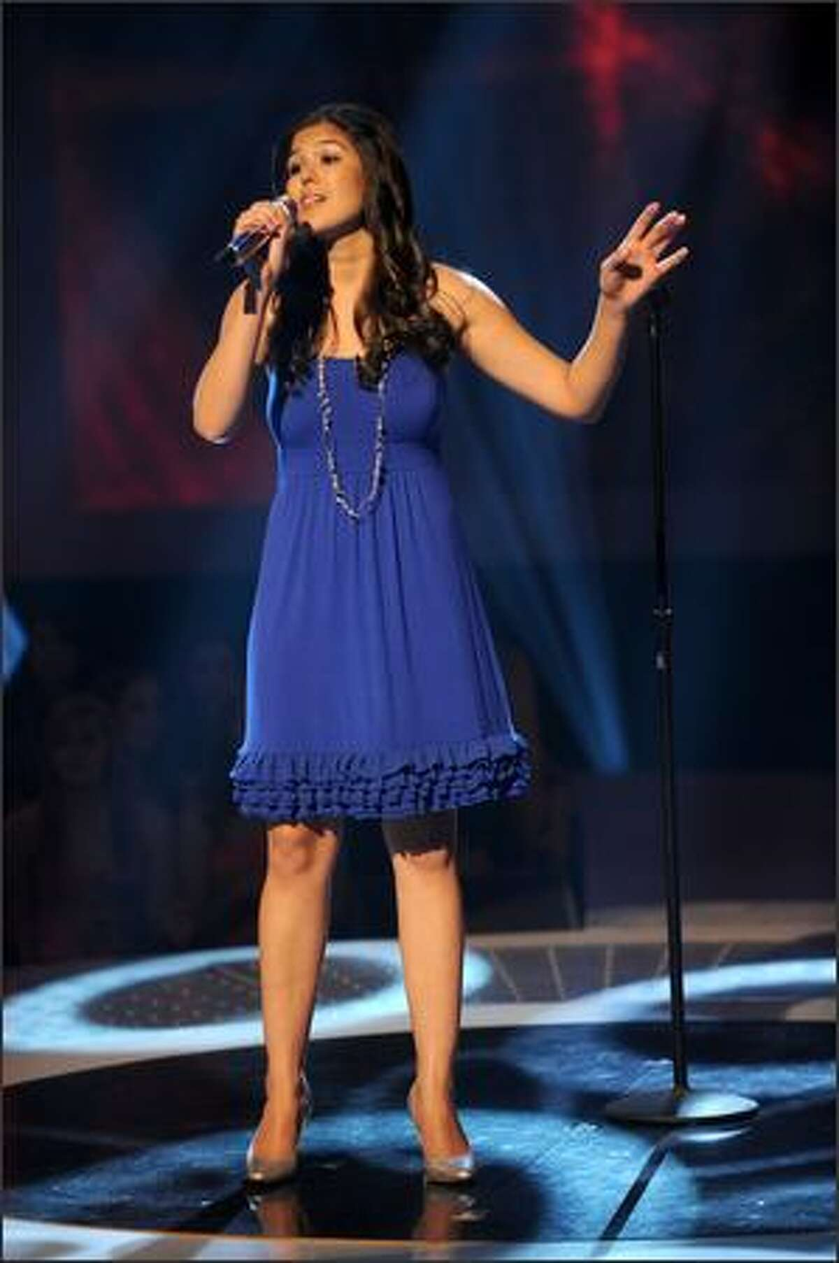Arianna Afsar performs.