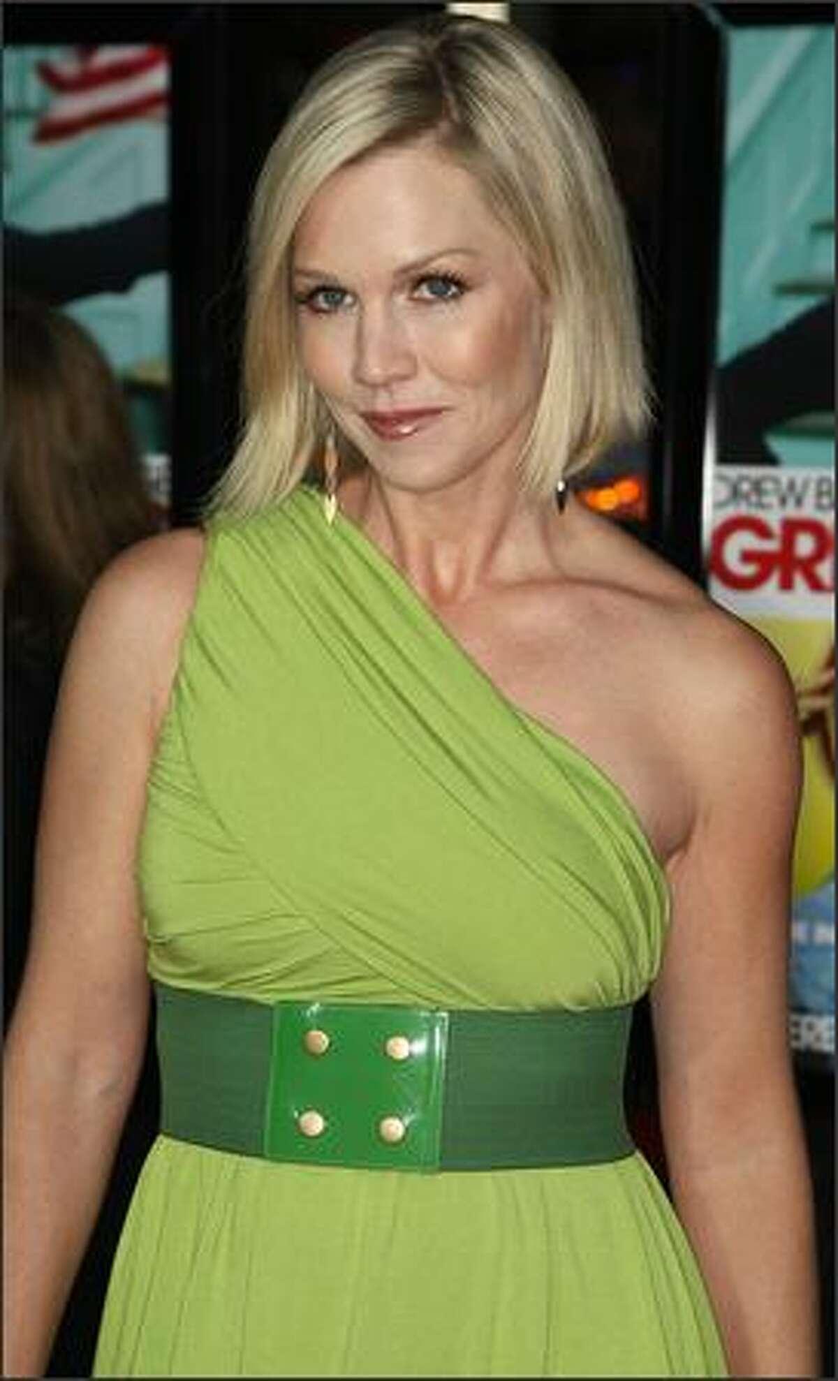 Actress Jennie Garth attends the