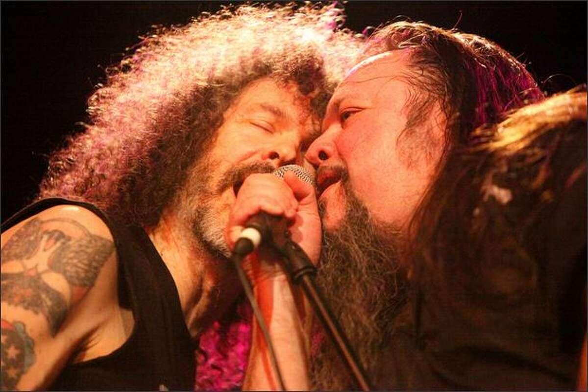 Bassist Gary Westlake and frontman Paul Passereli of Flight to Mars perform on Saturday. (Thom Weinstein/seattlepi.com)