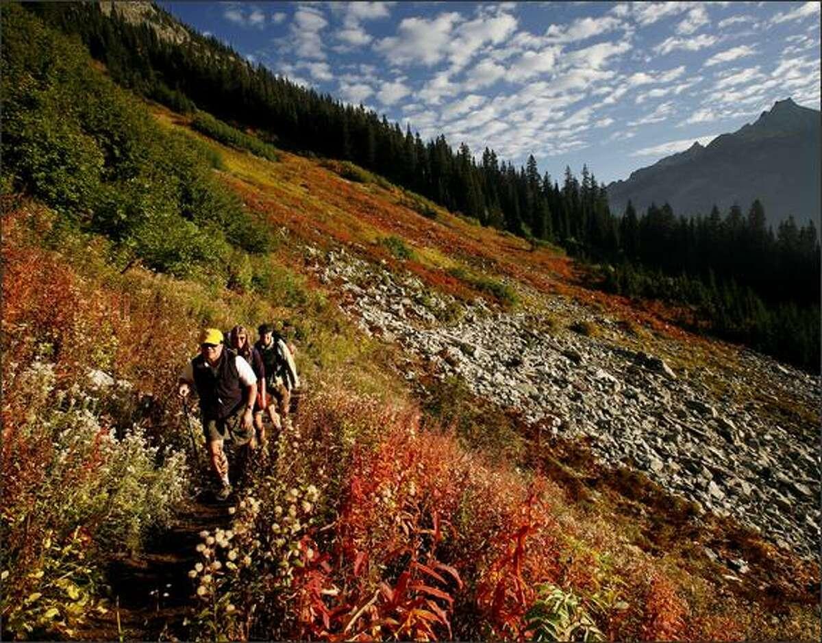 Hikers ascend toward Maple Pass on Sept. 30, 2008. (Paul Joseph Brown/Seattle P-I)