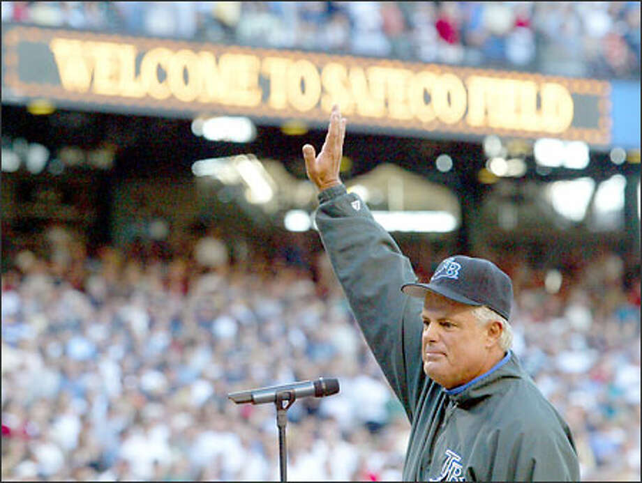 Tampa Bay Devil Rays manager Lou Piniella waves to the crowd at Safeco Field during his introduction at home plate before his new team played his old. Photo: David Bitton, Seattle Post-Intelligencer