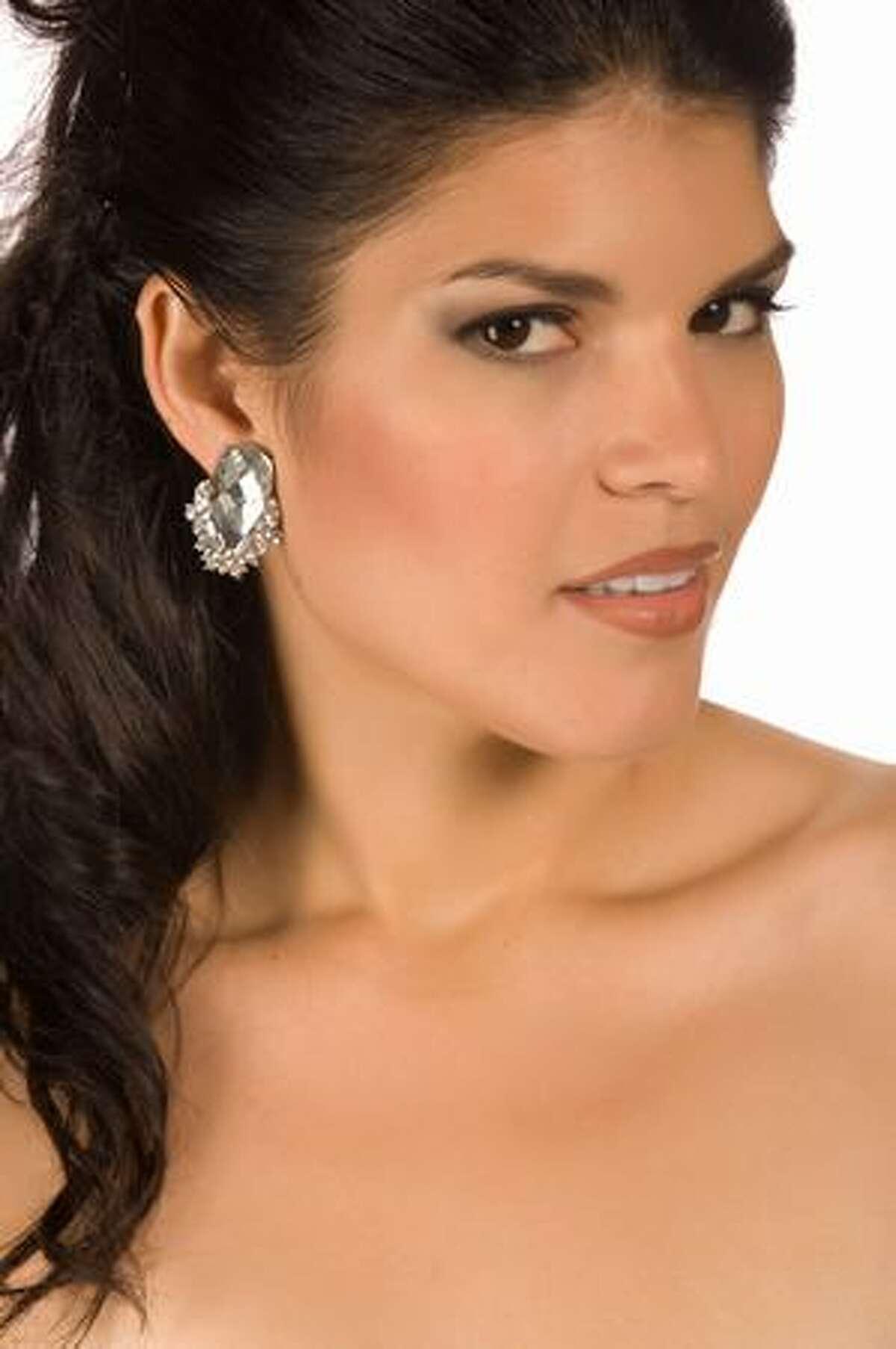 Dianne Croes, Miss Aruba.