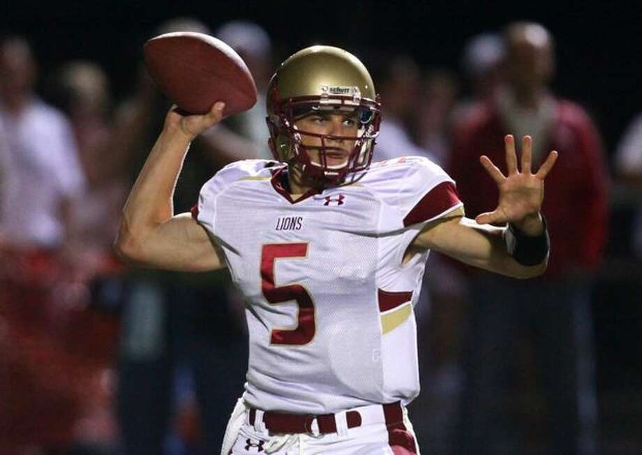 Oaks Christian quarterback Nick Montana fires the ball against Skyline High School. The UW recruit lived up to the hype in the exciting game. Photo: Joshua Trujillo, Seattlepi.com