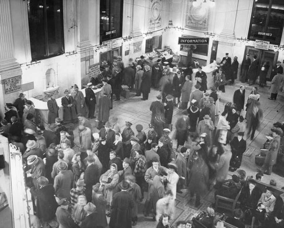 A King Street Station crowd waits for a departure, Feb. 10, 1949. (seattlepi.com file)