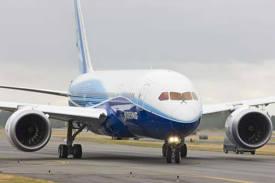 The first Boeing 787 Dreamliner taxies at low speed under its own power on July 7, 2009. (Boeing photo)