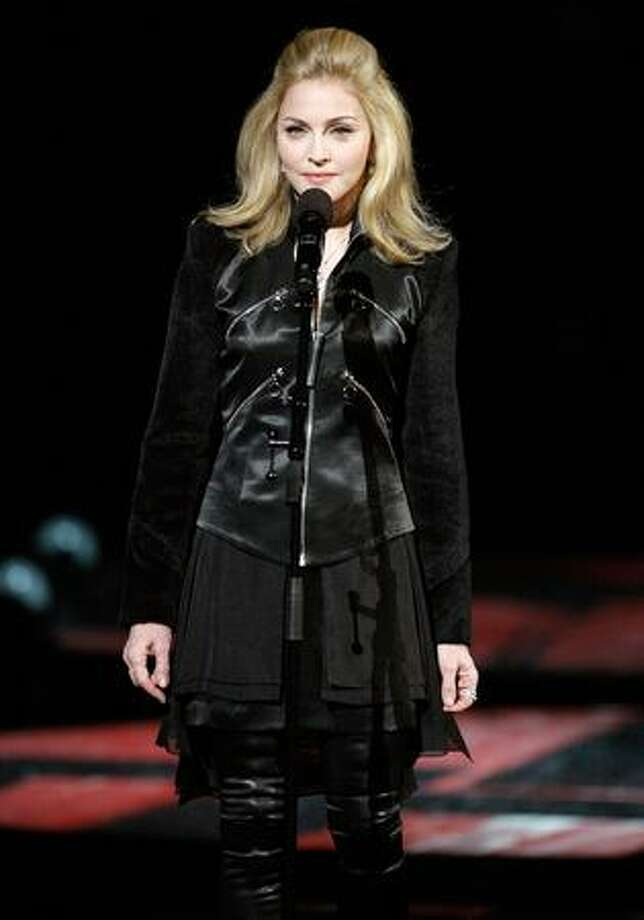 Madonna speaks during the Michael Jackson tribute. Photo: Getty Images