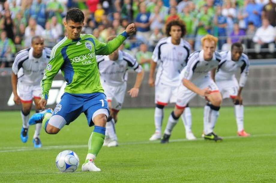 Fredy Montero takes an unsuccessful penalty kick in the first half. Photo: Daniel Berman/Seattlepi.com