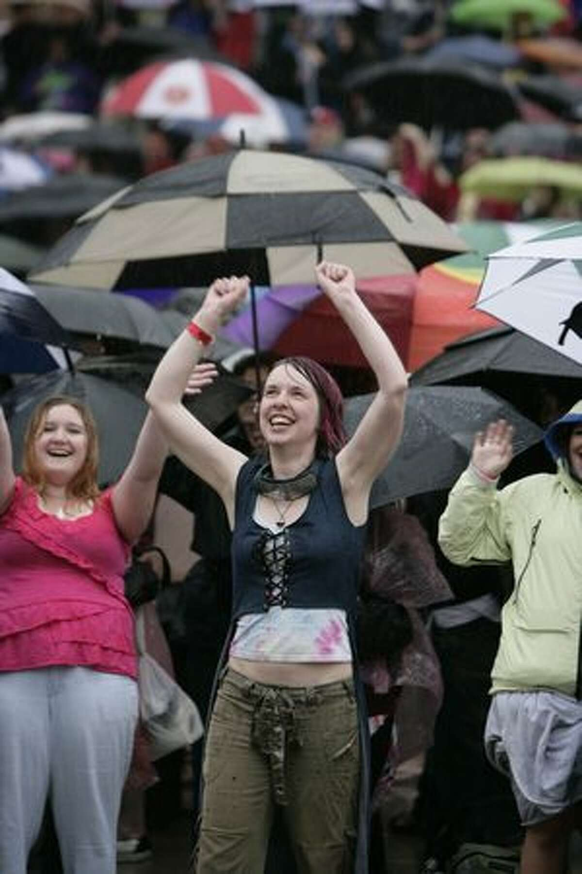 Boston auditioners arrive for their chance to become the next American Idol.