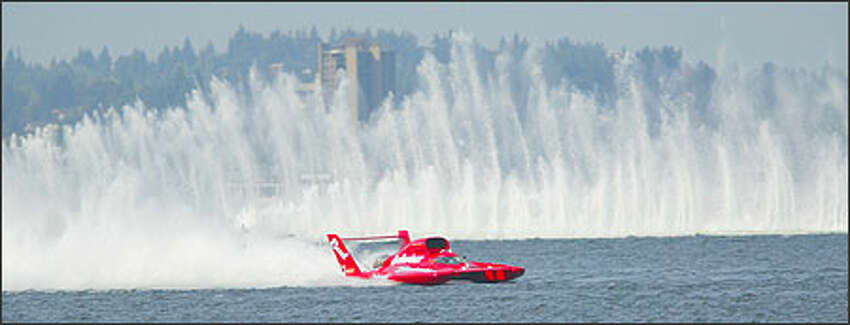 Miss Budweiser won for the 16th time at Seafair yesterday, travelling 139.323 mph atop Lake Washington. Driver Dave Villwock leads the points standings with 535, 91 more than Mark Evans of LLumar Window Film.