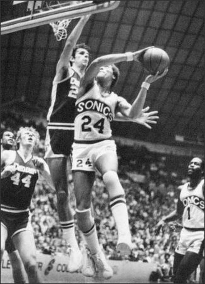 Sonic guard Dennis Johnson (24), 1978. (seattlepi.com file)