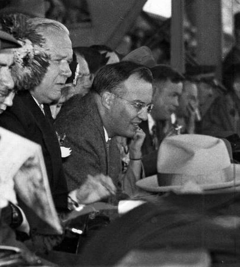 UW president Dr. Raymond Allen with Washington Gov. Monrad C. Wallgren, Sept. 1946. Photo: P-I File