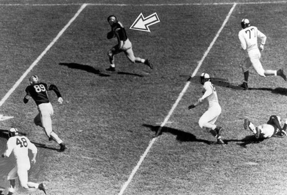 An Oct. 1946 game scene against California. Photo: P-I File