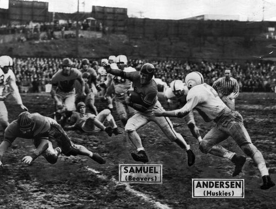 Oregon State halfback Don Samuel in a 1946 game against Washington. Oregon State won 21-12, taking second place in the final Pacific Coast Conference standings. Photo: P-I File