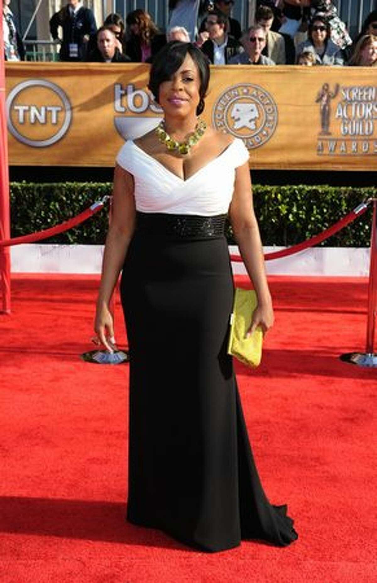 Actress Niecy Nash arrives.
