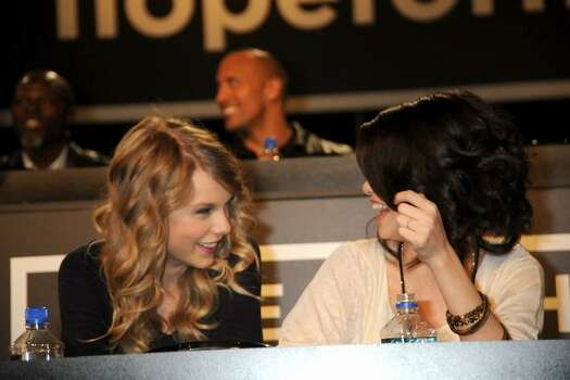 Singer Taylor Swift (L) and actress Selena Gomez at the Hope For Haiti Now telethon in Los Angeles. Photo: Getty Images
