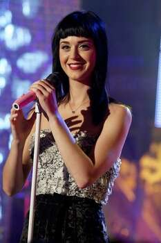 "Katy Perry performs at the ""Scalo 76"" Italian TV show on Nov. 18, 2008 in Milan, Italy. Photo: Getty Images"