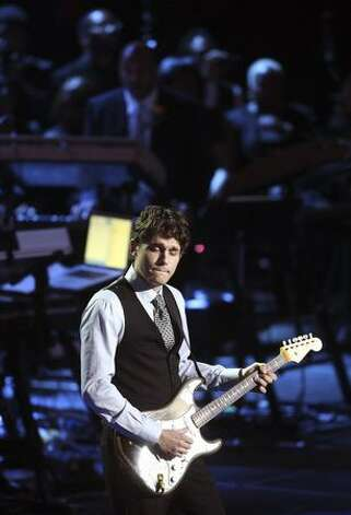 John Mayer performs at the Michael Jackson public memorial service held at Staples Center in Los Angeles, California. Photo: Getty Images