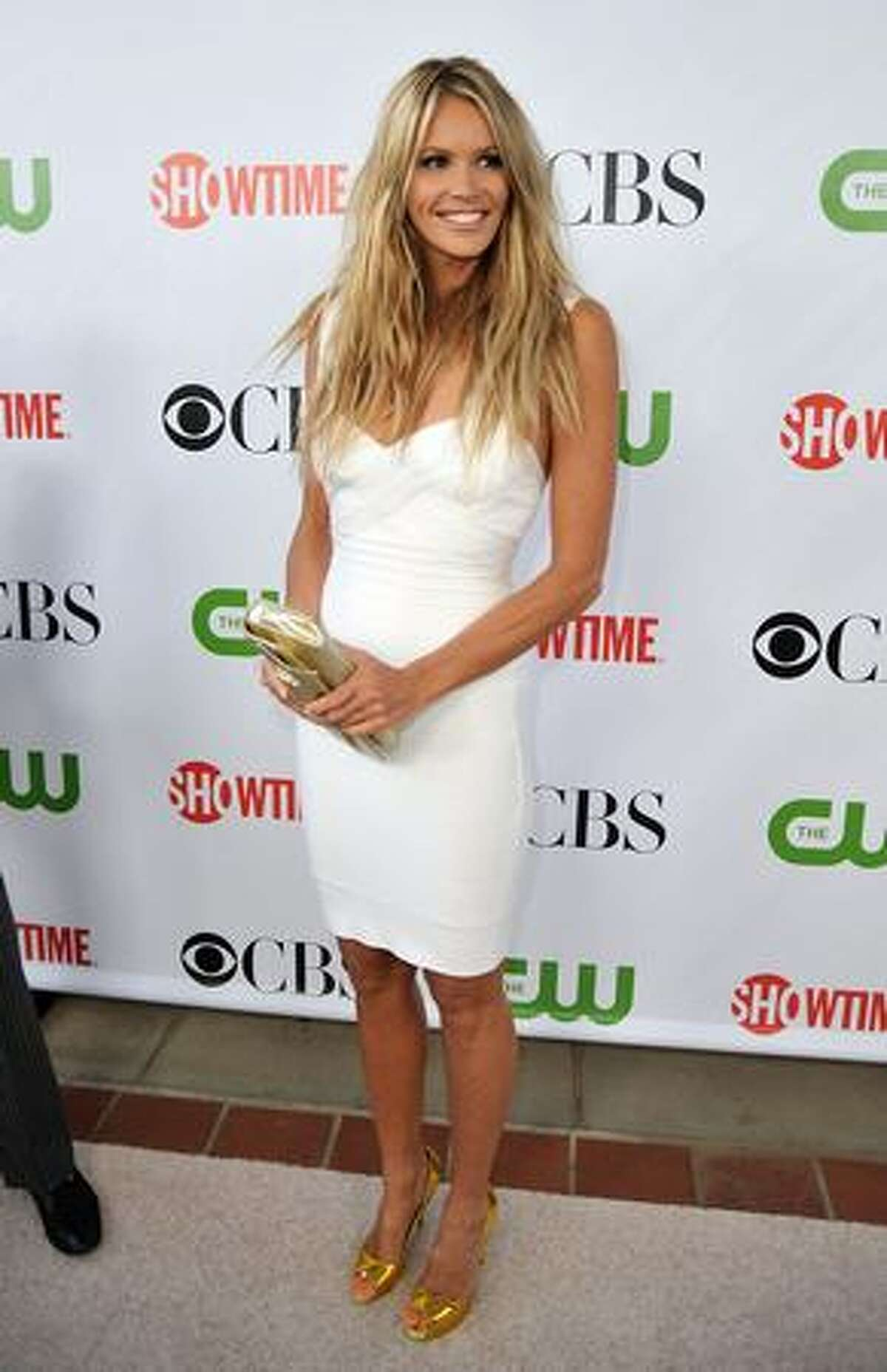 Actress Elle Macpherson arrives at the CBS, CW, CBS Television Studios & Showtime TCA party held at the Huntington Library in Pasadena, California.