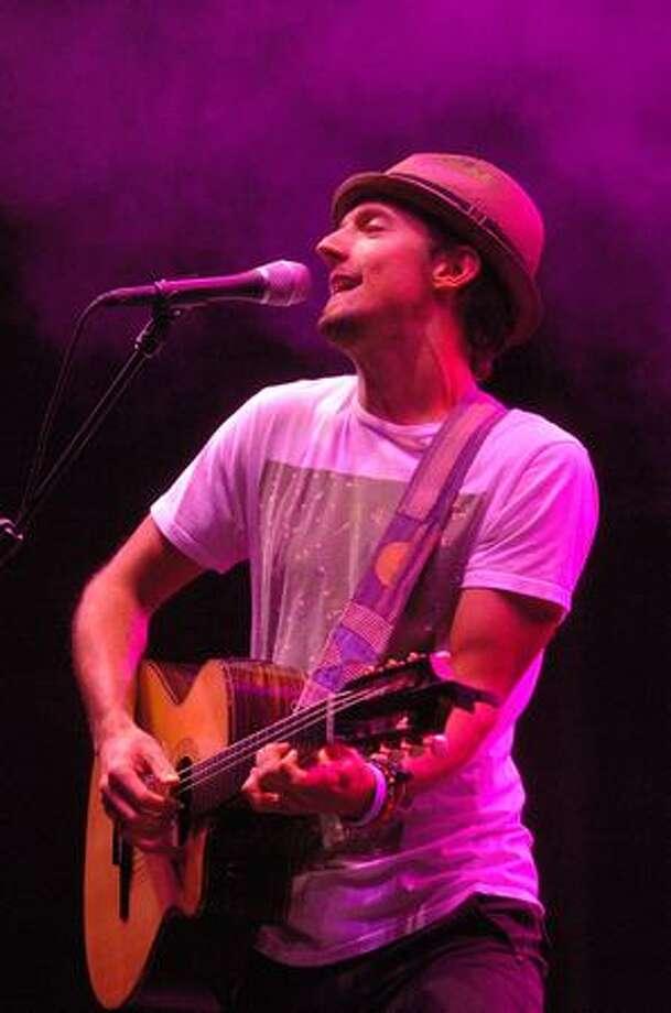 Jason Mraz and his band perform on the Samsung Mainstage. Photo: Daniel Berman, Seattlepi.com