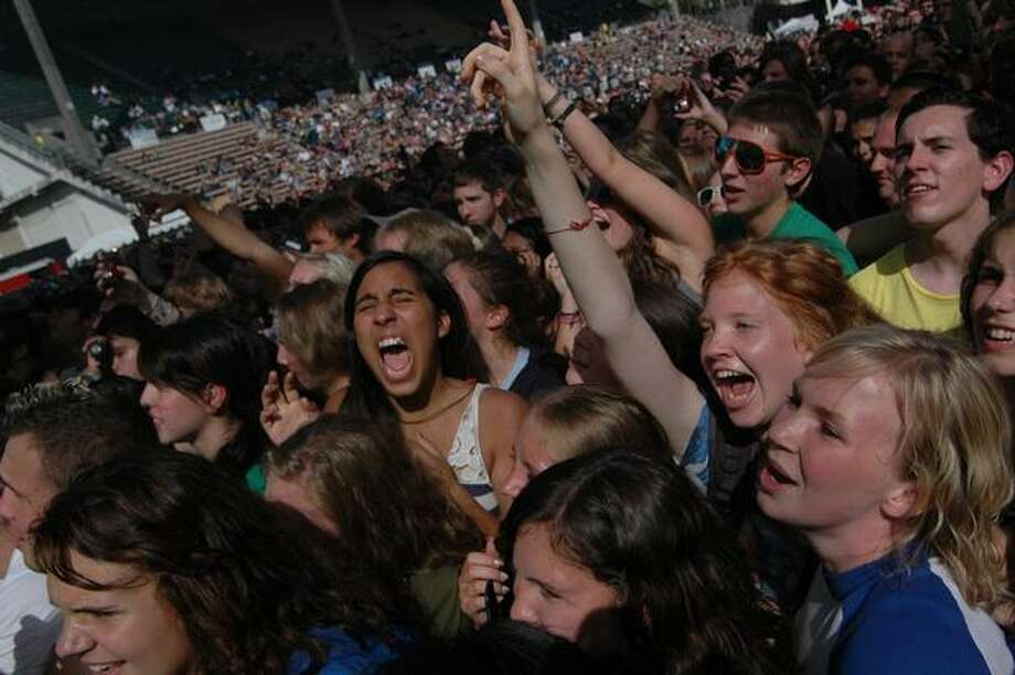 Festivalgoers scream as the All-American Rejects take the stage on day 1 of Bumbershoot Saturday in Seattle. Photo: Daniel Berman, Seattlepi.com
