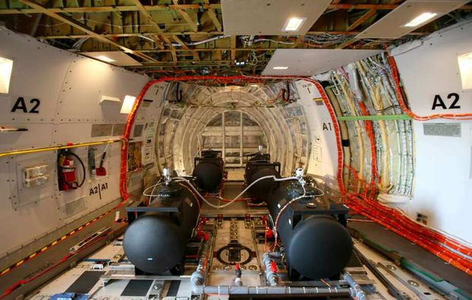 A view looking forward in Boeing's new 747-8 test airplane. Photo: Joshua Trujillo, Seattlepi.com
