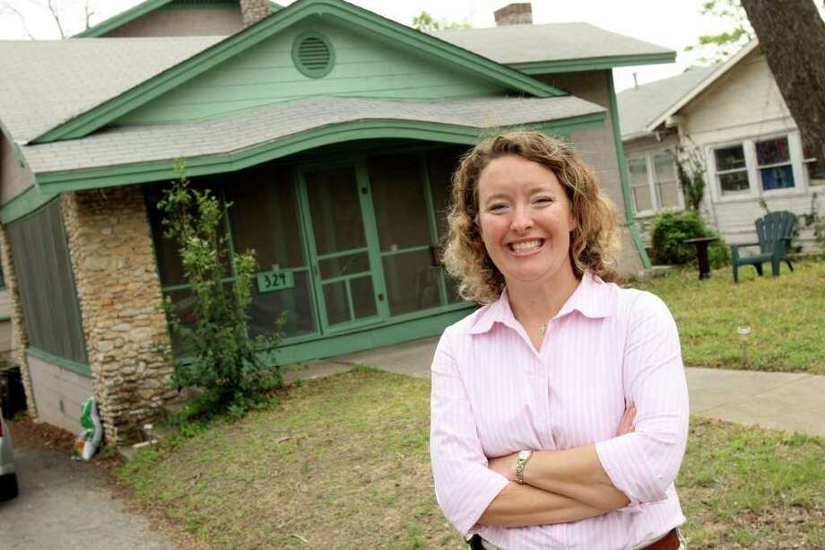 Meggan Partain, president of the Westford Alliance Neighborhood Association, lives in a Craftsman-style bungalow built in 1915. Photo: HELEN L. MONTOYA, SAN ANTONIO EXPRESS-NEWS / SAN ANTONIO EXPRESS-NEWS