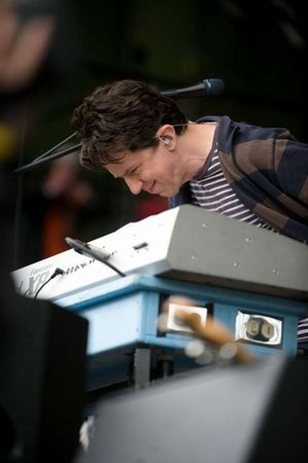 They Might Be Giants performing at the Gorge Amphitheatre for the Sasquatch Music Festival on Sunday. Photo: Chona Kasinger, Seattlepi.com