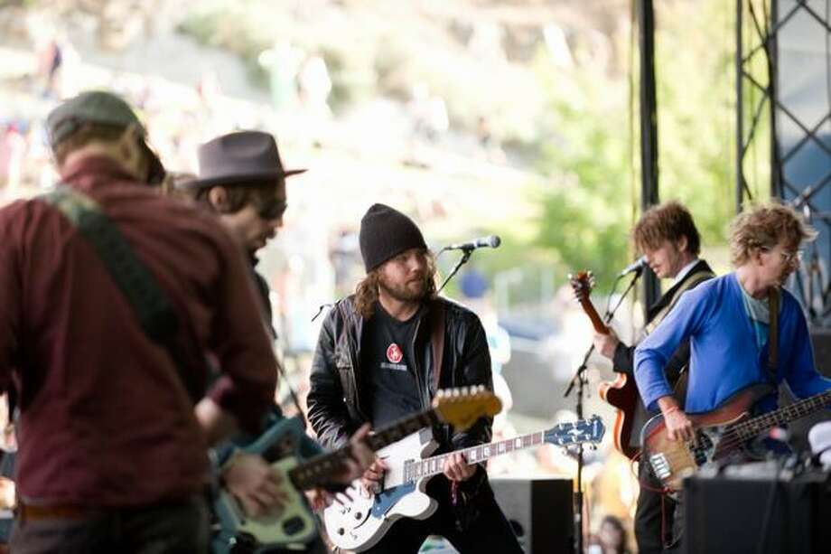 Broken Social Scene performing at the Gorge Amphitheatre for the Sasquatch! Music Festival on Saturday. Photo: Chona Kasinger, Seattlepi.com