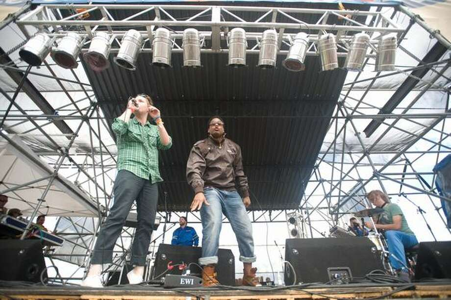 Fresh Espresso performing at Sasquatch! Music Festival on Monday. Photo: Chona Kasinger, Seattlepi.com
