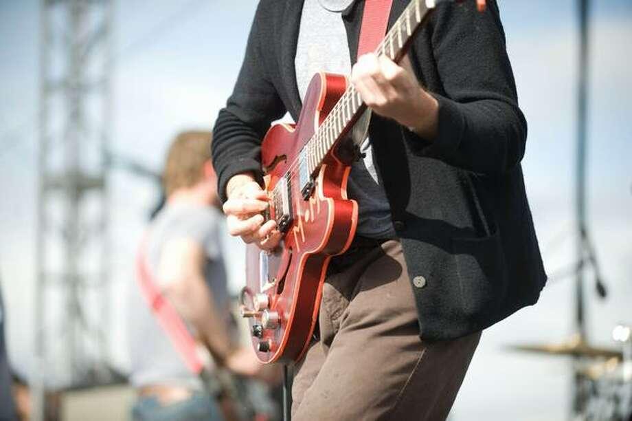 Dr. Dog performing at Sasquatch! Music Festival on Monday. Photo: Chona Kasinger, Seattlepi.com