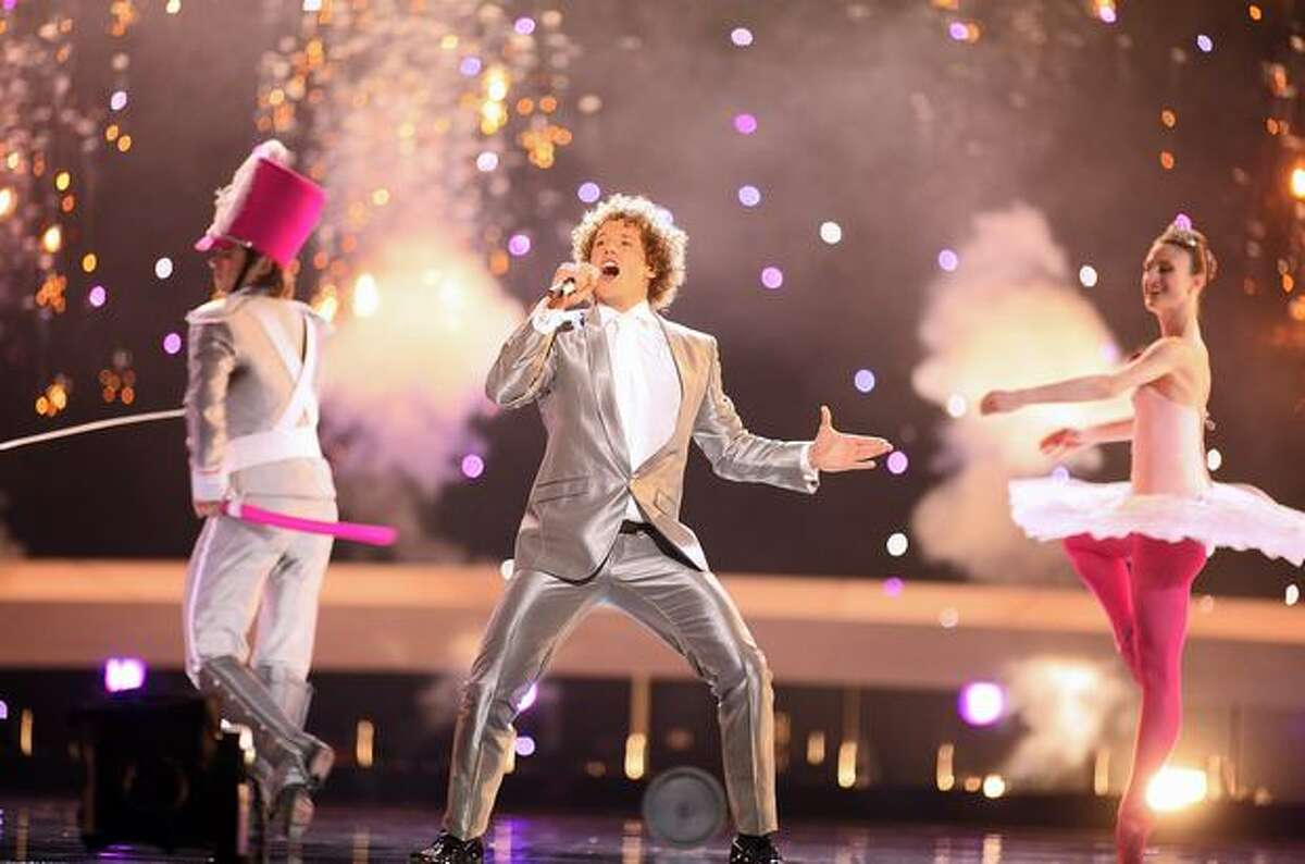 """Daniel Diges of Spain performs his song """"Algo pequeñito."""""""
