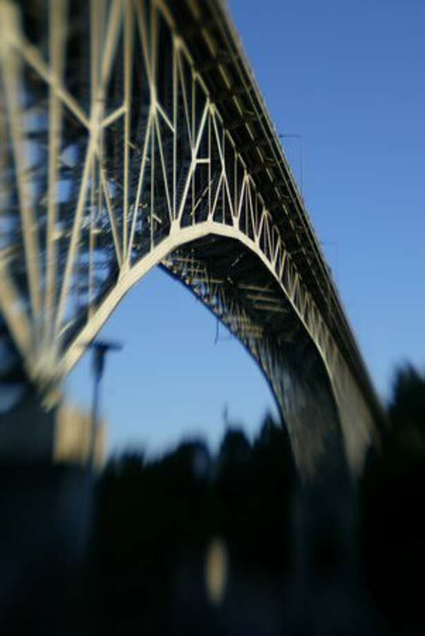 The Aurora bridge towers over the Ship Canal in Seattle on September 26, 2006. (Photo by Joshua Trujillo/P-I) Photo: P-I File