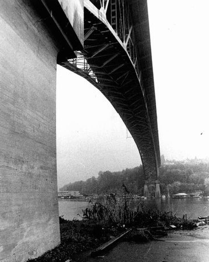 The Aurora Bridge on October 31, 1974. (Photo by Bob Miller/P-I) Photo: P-I File