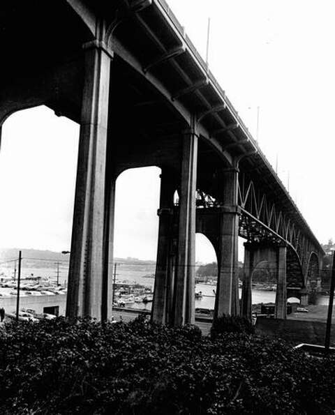 The Aurora Bridge on December 2, 1972. (Photo by Bob Miller/P-I)