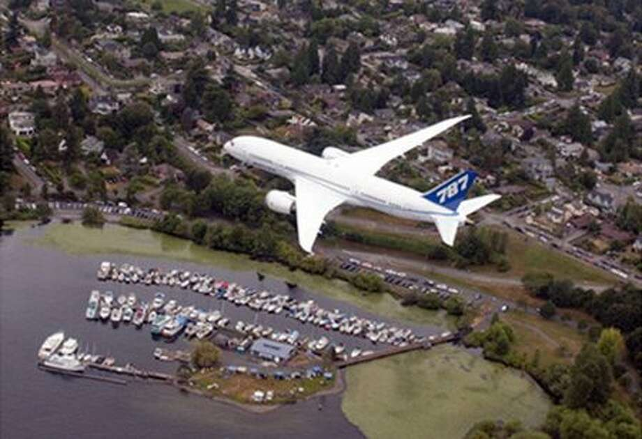 Boeing's third 787 Dreamliner, ZA003, flies over Seafair, in Seattle. Photo: The Boeing Company