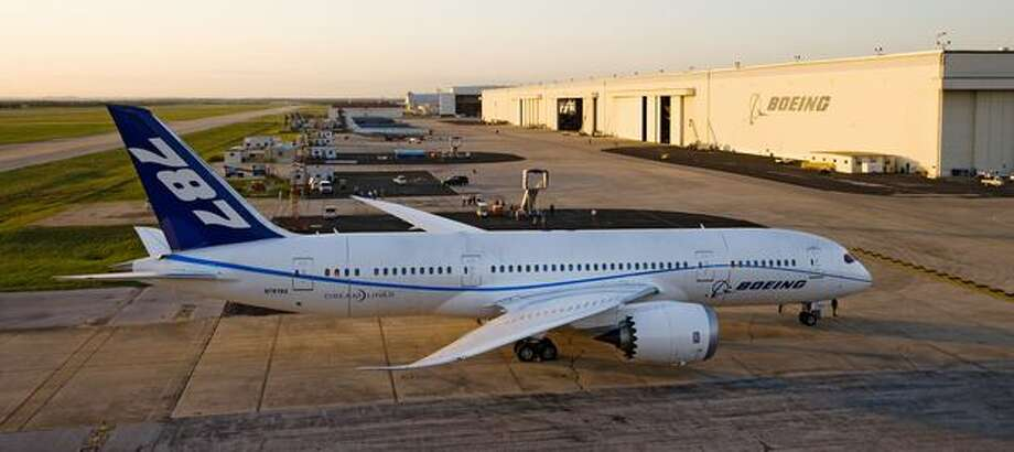 Boeing 787 Dreamliner ZA003 stops in San Antonio, Texas. Photo: The Boeing Company