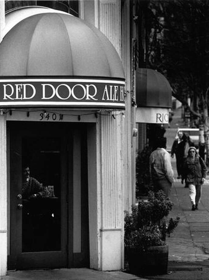 The Red Door Ale House in December 1989. Photo: P-I File