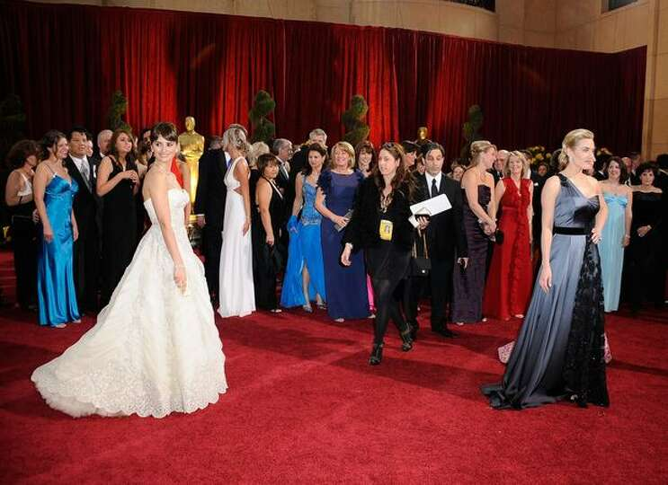 Actresses Penelope Cruz and Kate Winslet arrive at the 81st annual Academy Awards held at Kodak Thea