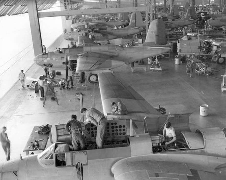 Planes being prepared to take flight, 1941. Photo: P-I File