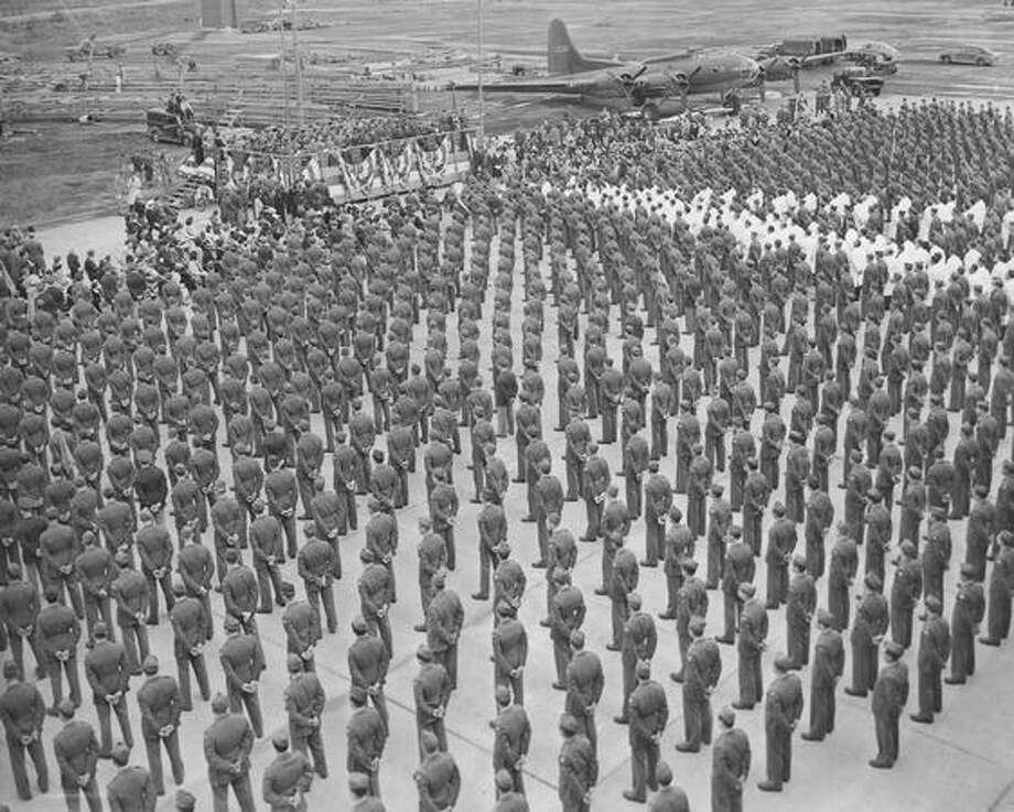 Soldier students at Boeing's Flying Fortress School, 1943. Photo: P-I File