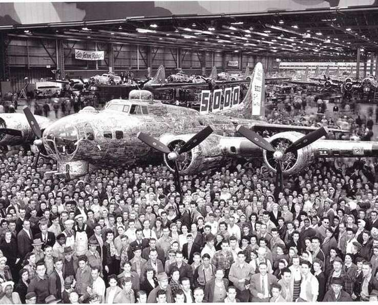 Rollout of the 5,000 B-17 Flying Fortress built by Boeing since the attack on Pearl Harbor, at Plant