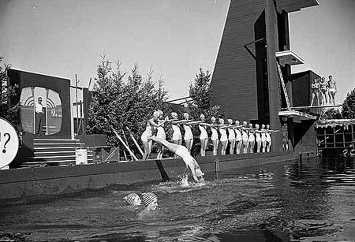 The cast of the Aqua Follies show Dears and Darlings, July 1960. (Seattlepi.com file/MOHAI)
