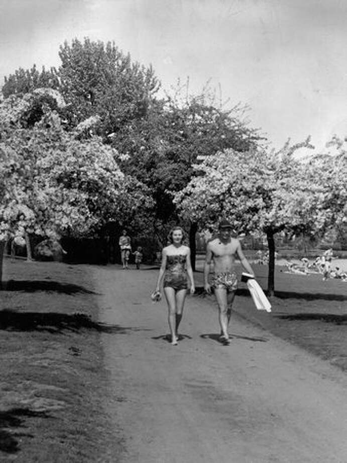 People on the Green Lake path, June 6, 1954. Photo: P-I File