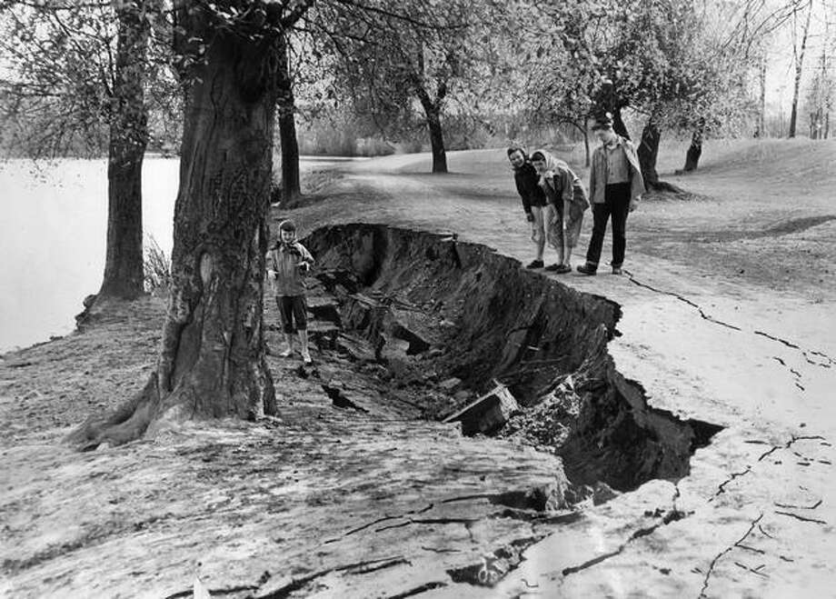 A large crack opened near the south end of Green Lake during Seattle's April 13, 1949 earthquake. Photo: P-I File